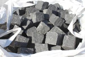 kostka z granitu, krawężnik granitowy, płyty granitowe