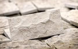 boniówka z kamienia naturalnego