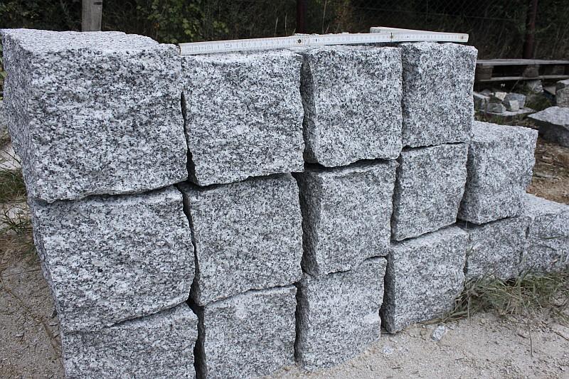 Kamień budowlany granitowy