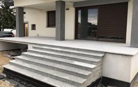 schody wykonane z granitu